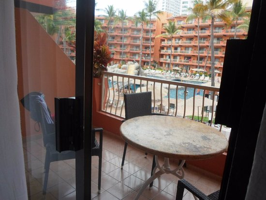Villa del Palmar Beach Resort & Spa: All the balconies are fairly large and affords some privacy.