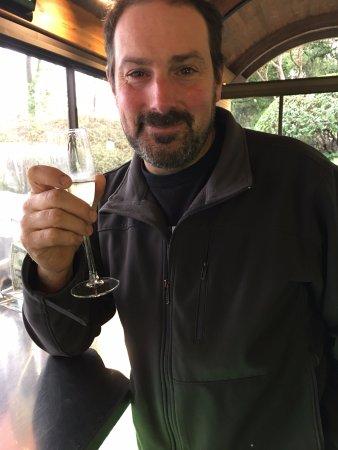 Yountville, CA: My husband loving his Etoile' Brut