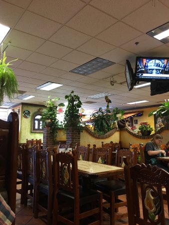 Saint Clairsville, OH: Tlaquepaque Mexican Grill & Restaurant