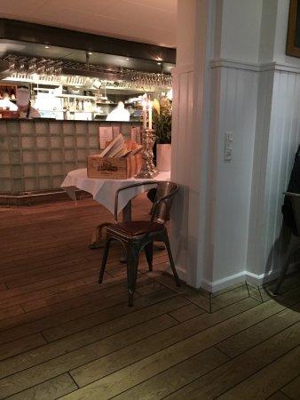Ruths Hotel: photo0.jpg
