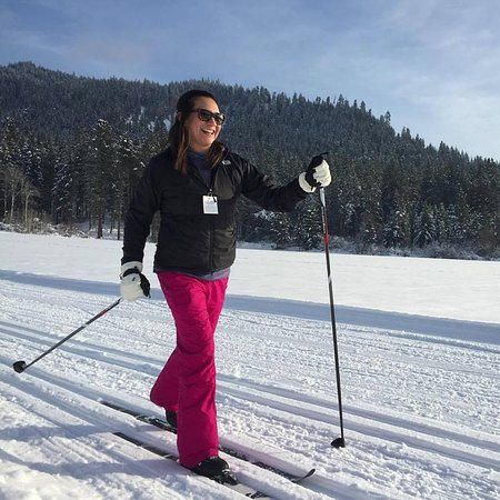 Leavenworth, WA: Learn to XC ski!  Group and private ski lessons available.