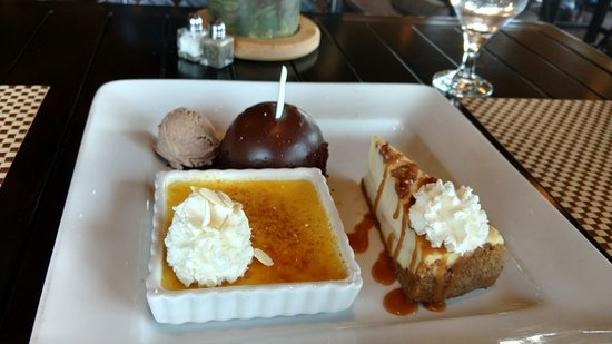 Dobson, Carolina del Nord: The Indecision Dessert Sampler