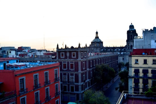 Hotel Canada: View of México City from rooftop breakfast terrace