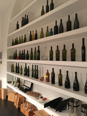 Vino Roma: Display Case