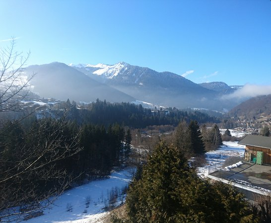 Montriond, Frankrike: View from the rear of the chalet.