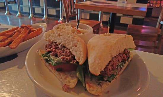 Blue Moon Bar & Grille : Lamb burger