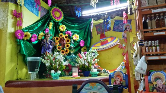 Tamales y Atoles Any: Some of the inside decor