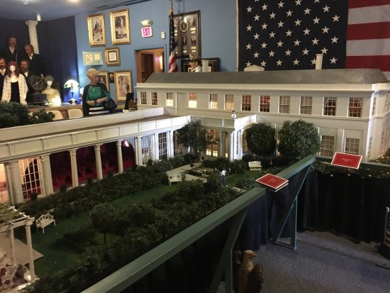 "Presidents Hall of Fame: It was a FYI place to visit.  The highlight was the miniature White House building.   But ""Flipp"
