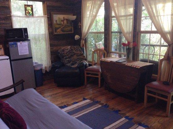 Marble Falls, Техас: Firehouse living/dining