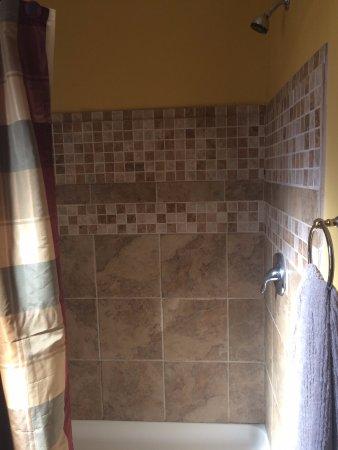 Marble Falls, TX: Cedar bath