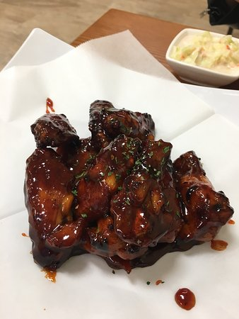 Milpitas, Kaliforniya: Fried chicken drum and tiny tiny chicken wings