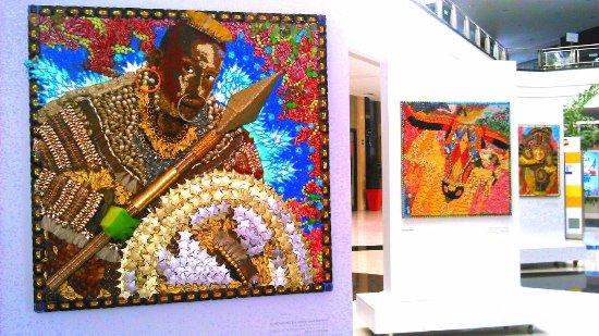 Centro Comercial Buenavista: Collage alusivos al Carnaval de Barranquilla.
