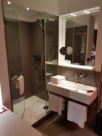 Hotel AMANO: Bathroom
