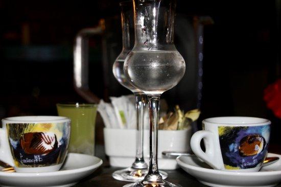 Brasilito, Costa Rica: Cafe espresso y digestivo tipico italiano (Grappa)