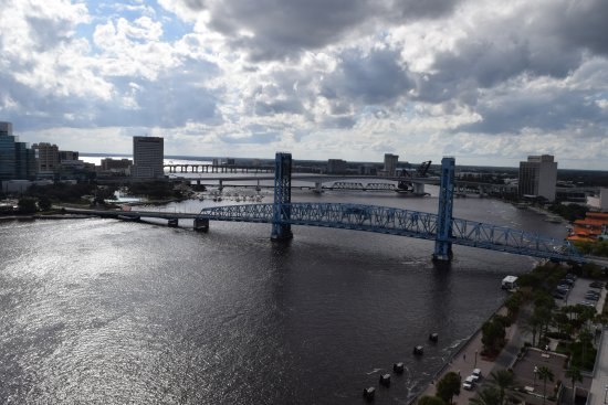 Hyatt Regency Jacksonville Riverfront: From 19th floor river view
