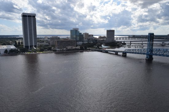 Hyatt Regency Jacksonville Riverfront: View across the river