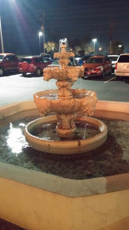 Warner Robins, Gürcistan: Fountain outside