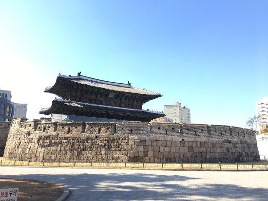 Dongdaemun Gate (Heunginjimun) : 東大門