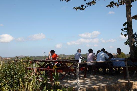 Finca Agroecologica El Paraiso: patio seating