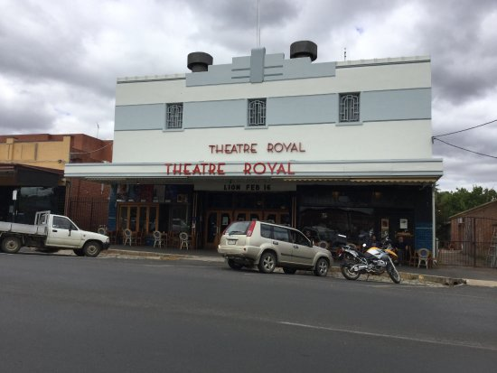 ‪Theatre Royal‬