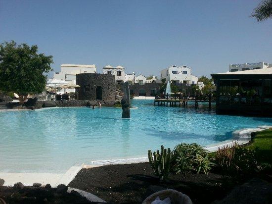 Hotel THe Volcan Lanzarote: Piscina, Volcán Lanzarote