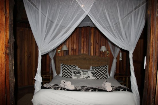 Pongola, Sudáfrica: Beautiful room, comfy bed.