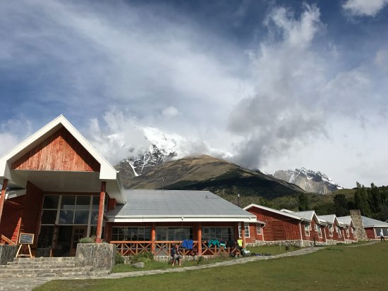 Las Torres Patagonia: A view of the hotel entry