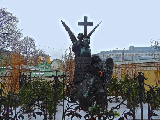 Northwestern District, Russia: Tchaikovsky at Tikvin cemetery