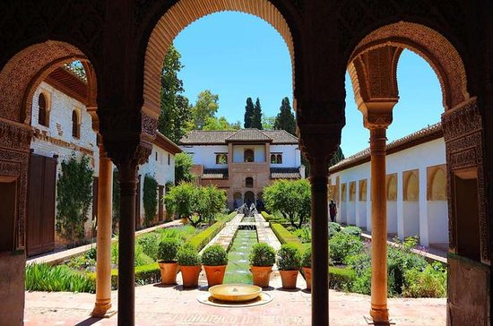 10-Day Morrocco and Andalusia Guided...