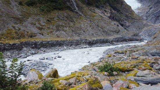 Franz Josef, New Zealand: The valley trek towards the glacier