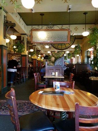 McMenamins Hotel Oregon Pub: Hotel Oregon Pub