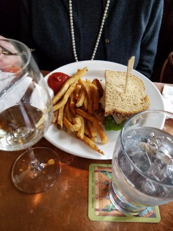 McMenamins Hotel Oregon Pub