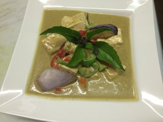 Belmont, CA: Green Curry with Tofu