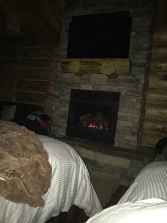 Afton, WY: View from the bed. Main source of heat is gas fireplace. So beautiful! Room is spacious. You won