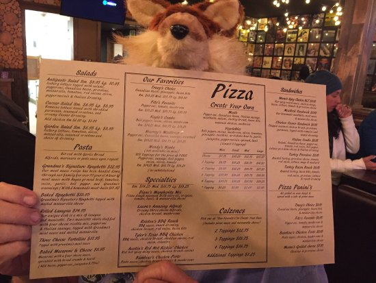 Saucy Mama's Pizzeria: photo2.jpg