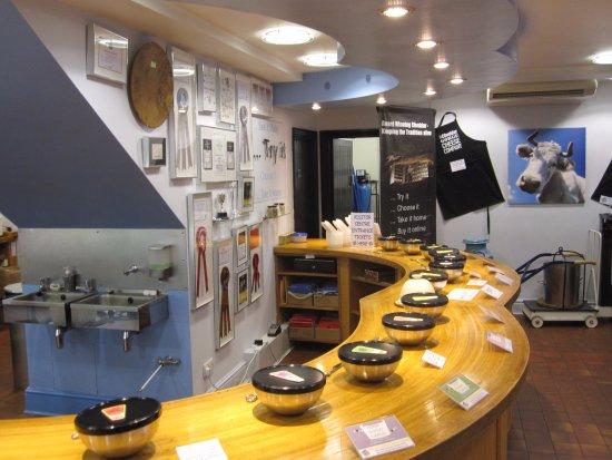 Cheddar, UK: Tasting area