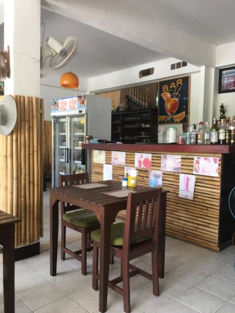 Pui Relax Restaurant & Bar