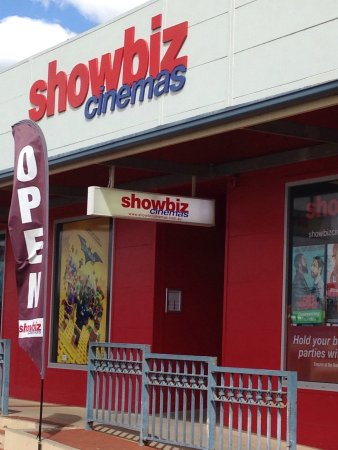 ‪Showbiz Cinemas‬