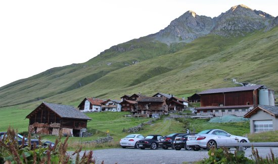 Cresta Photo