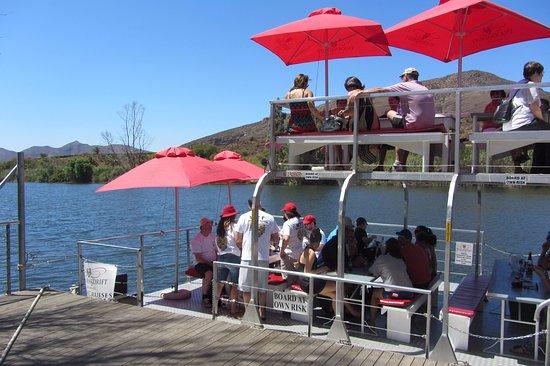 Robertson, Sudafrica: the barge with sun umbrellas