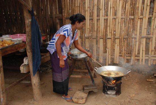 Sangkhla Buri, Thailandia: แม่ค้าชาวมอญ