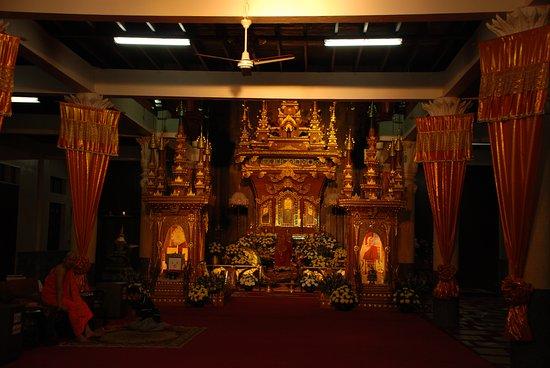 Sangkhla Buri, Thailandia: เหลืองอร่ามงามตา
