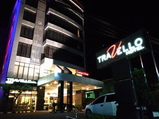 โรงแรมทราเวลโล่มานาโด