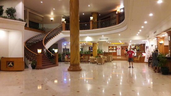 Angkor Century Resort & Spa: 20161203_212149_large.jpg