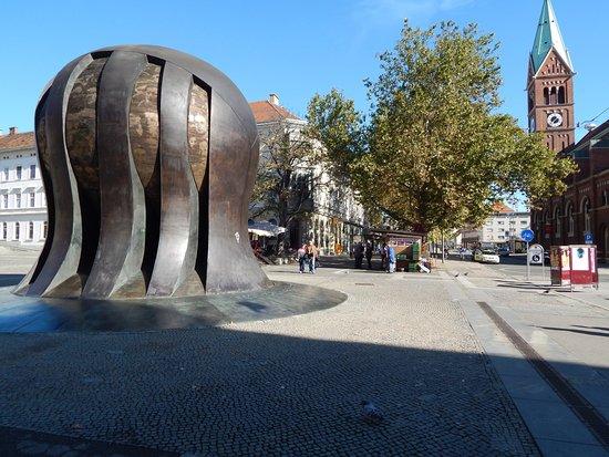 Spomenik narodnoosvobodilnega boja (NOB)