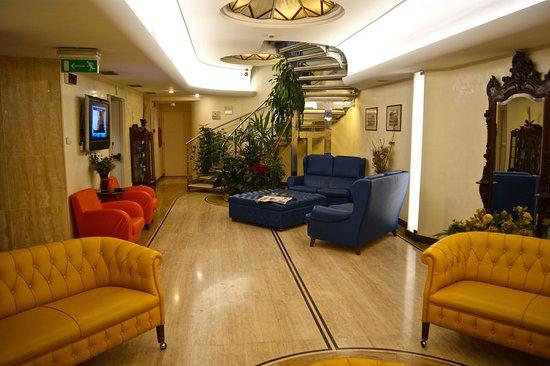 Windrose Hotel: Salon