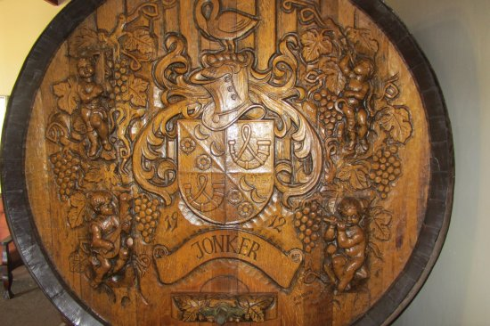 Bonnievale, Afrika Selatan: Wine barrel with family name