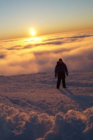 Lapland Hotel Saaga: Coucher du soleil au sommet du Mont Yllas