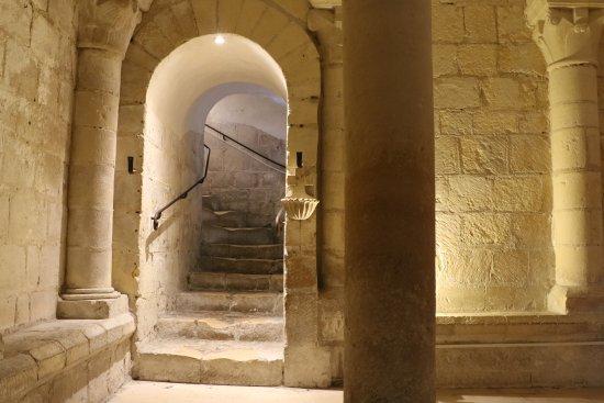 Abbaye aux Dames : la crypte