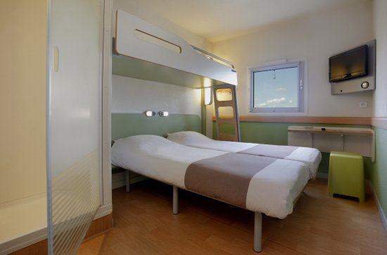 Chambre Twin Lits Jumeaux Espace Douche Picture Of Ibis Budget